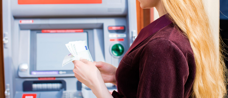 minibank-penger-kontanter-berlin-tyskland