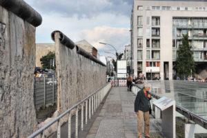 Berlinmuren vegg hull Berlin 1989 rester betong