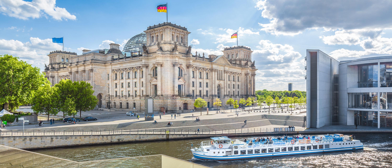 Riksdagsbygningen-bygg-berlin-elvecruise